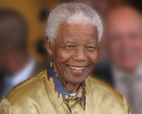 Nelson Rolihlahla Mandela (IPA xoˈliɬaɬa manˈdeːla; uitspraak in het Xhosa) (Mvezo, Oost-Kaap, Zuid Afrika, 18 juli 1918 – Johannesburg, Zuid Afrika, 5 december 2013)