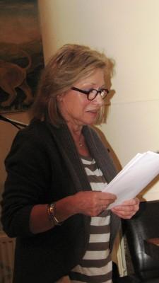 De huisdichter van MUZIEK EN POËZIE bij Asher aan de Schie, de muze van de Hoogstraat: Anneke Willemse-Meeder