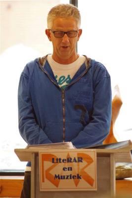Ook de dichter Dick Voogd was aanwezig op het open podium