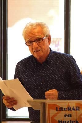 Nico van de Wetering, ook een dichter die lid is van de groep Schrijvers tussen de kassen.