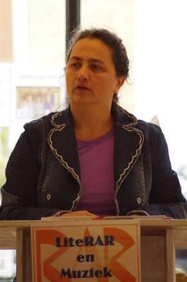 Dichteres Yvonne van der Laan