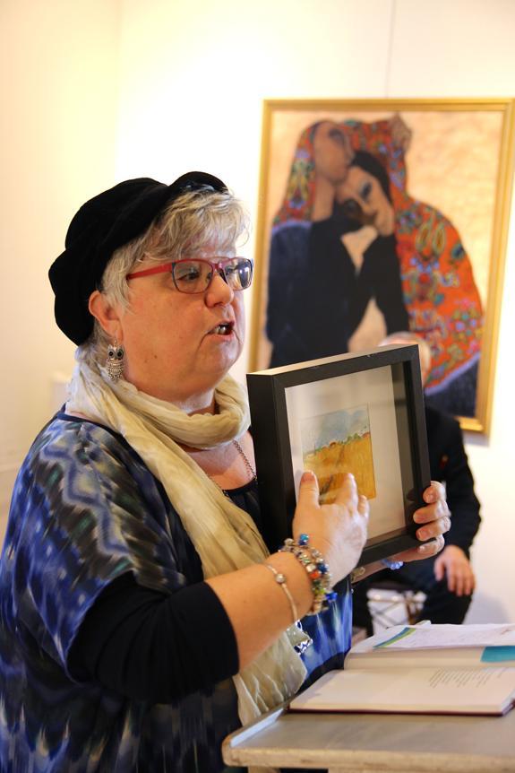 Ria Atsma Salij schilderde speciaal voor dit festival enkele aschilderijen die verband hielden met gedichten over de seizoenen van Augusta Peaux.